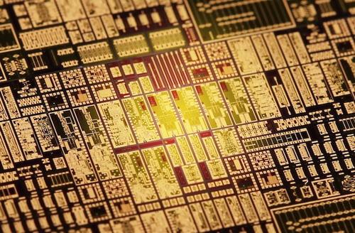德研发出新型无线局域网设备 传输速率40GB/秒